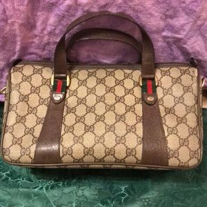 Authentic Gucci excellent condition like brand new